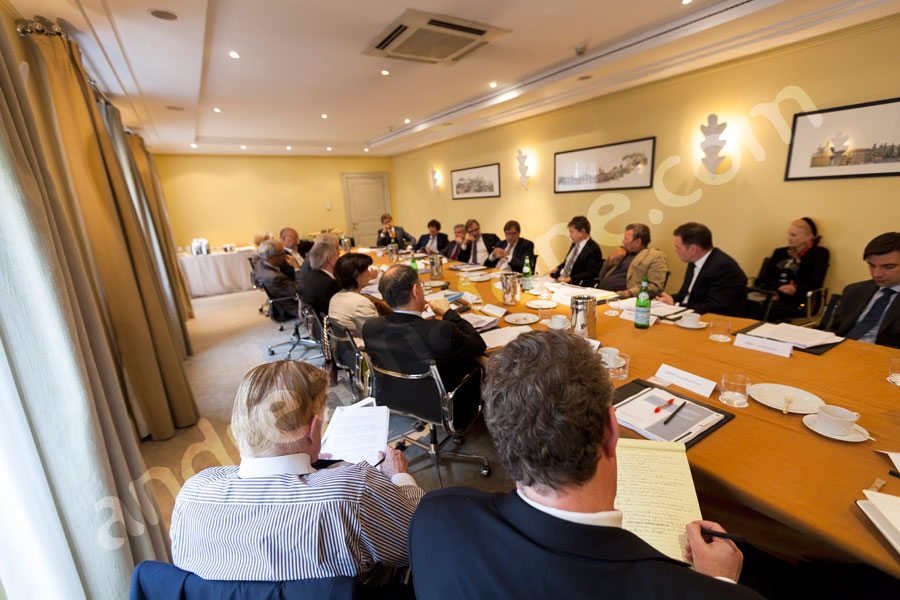 Business photographer Rome: round table photo journalistic discussion in Rome