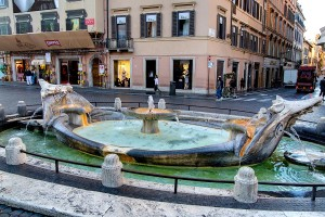 Water fountain Piazza di Spagna Spanish steps excursions