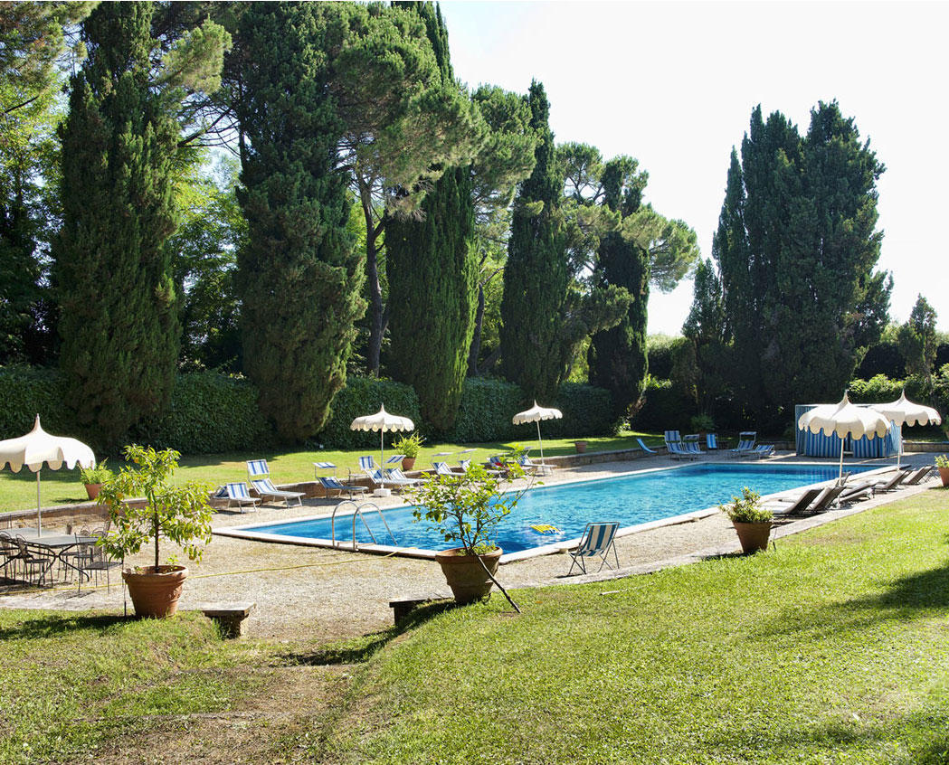 Villa with swimming pool rental Rome Relais Villa Lina Ronciglione