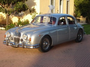 Jaguar mk2 wedding car in Rome Italy for weddings