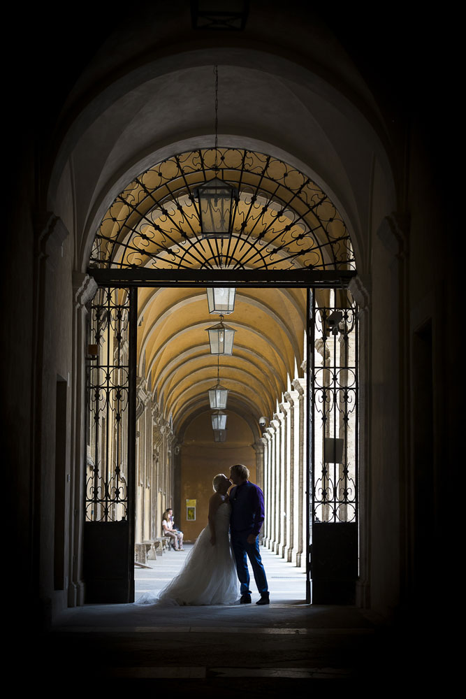 Picture of a wedding couple at S.Ivo alla Sapienza in Rome