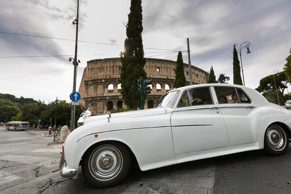 The Rolls Royce Silver Cloud III taking the bride and groom to the symbolic wedding.