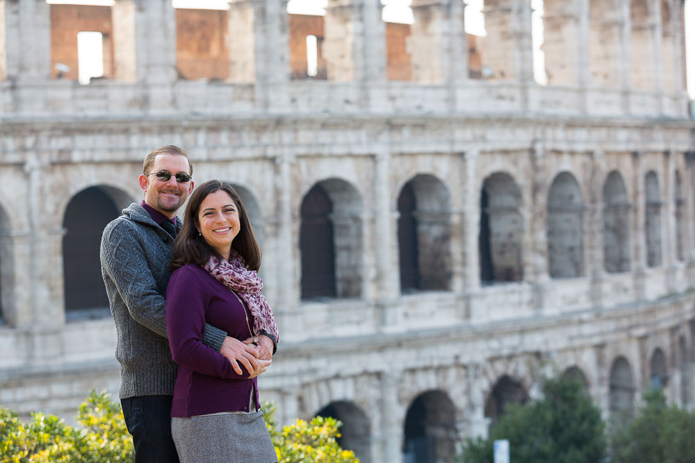 Closeup picture of a couple at the Roman Coliseum