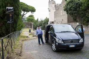 Minivan car excursion in Rome visiting the outskirts