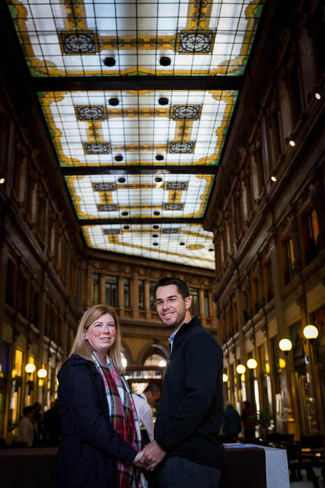 Image taken of a couple during a phototour in Galleria Alberto Sordi