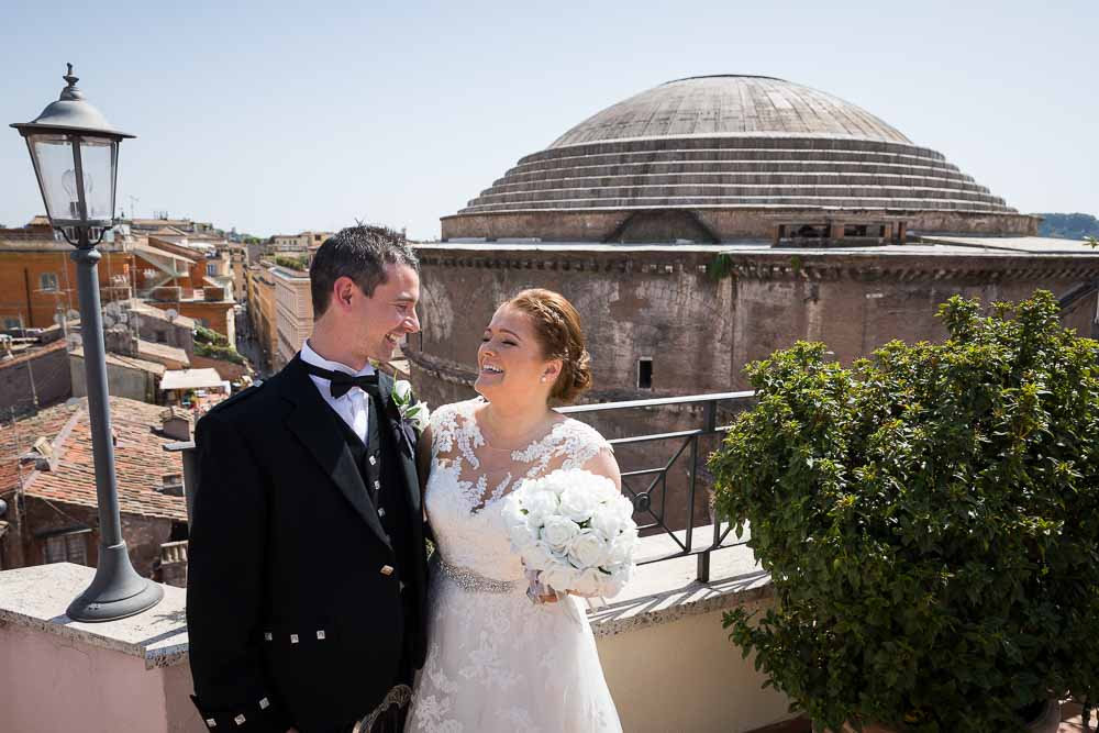 Taking some prewedding pictures on the hotel terrace overlooking the pantheon from above
