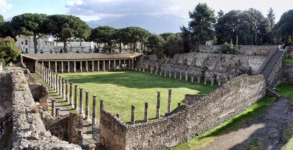 The ancient roman city of Pompeii visiting site Italy