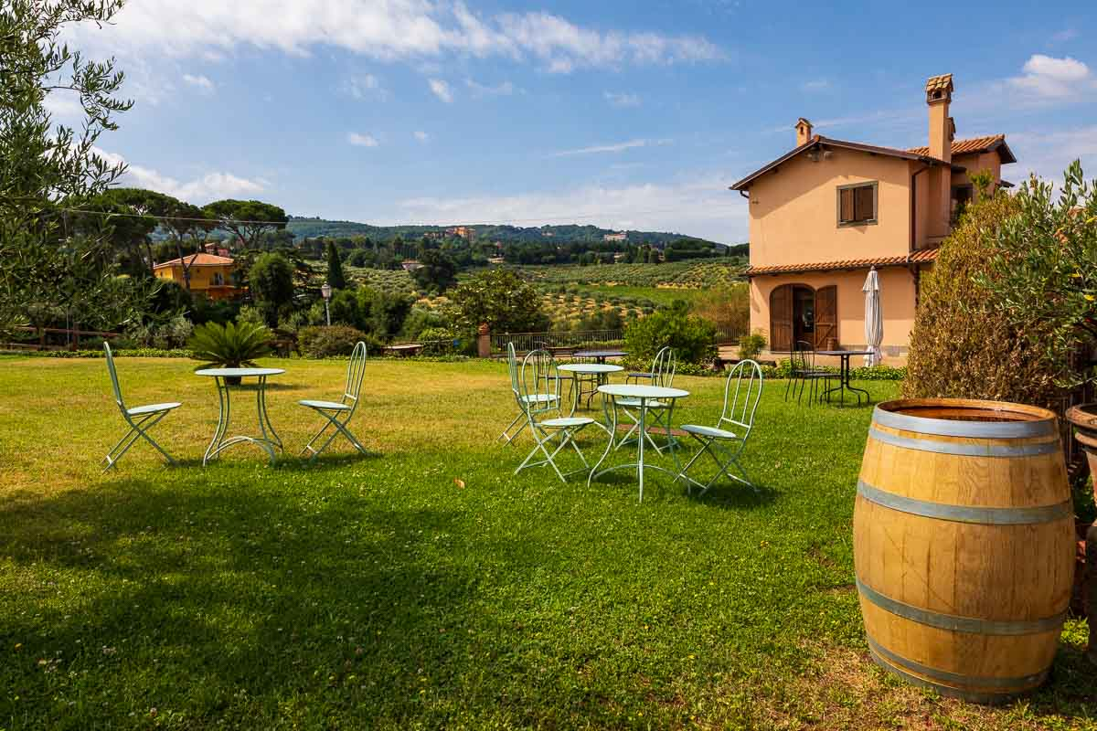 Farmhouse winery in Frascati wine tour
